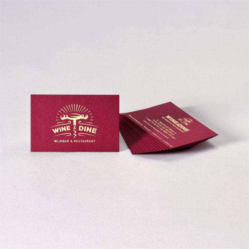 Bordeaux visitekaartje met goudfolie