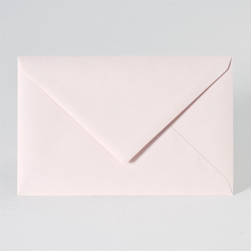 Elegante enveloppe in zachte nude kleur (18,5 x 12,0 cm)