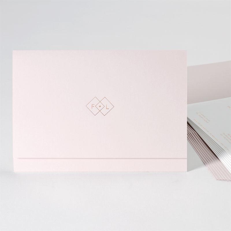 Luxe trouwuitnodigingen met nude pochette en offwhite inlegkaart