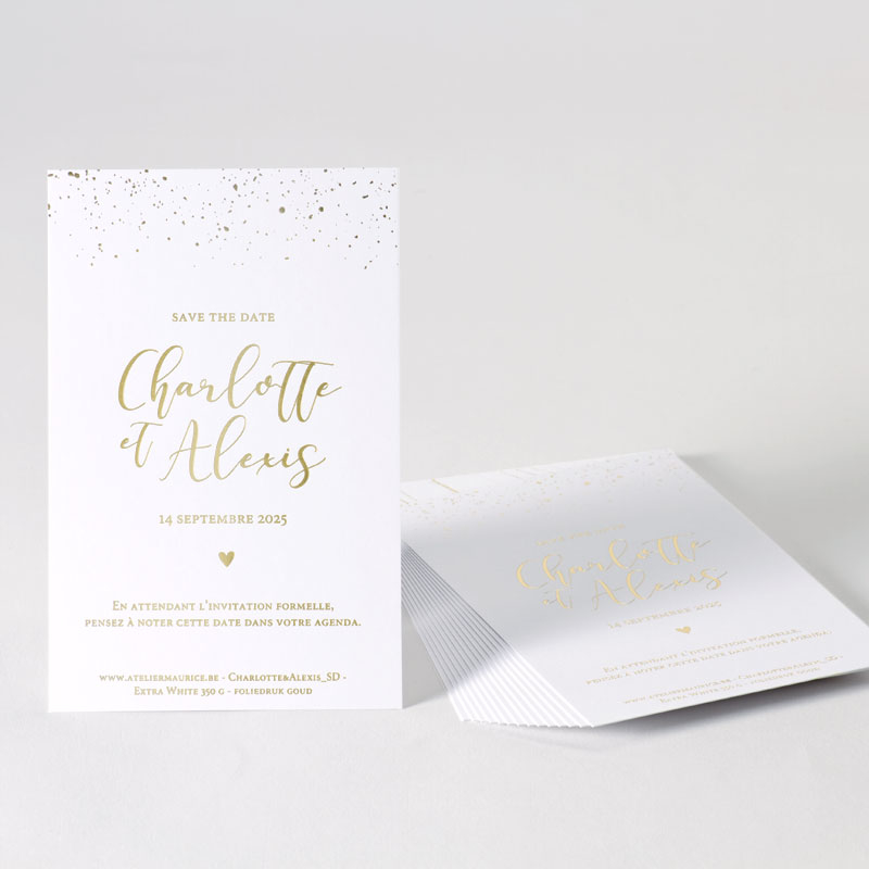 Save the date kaart met elegante confetti in goudfolie