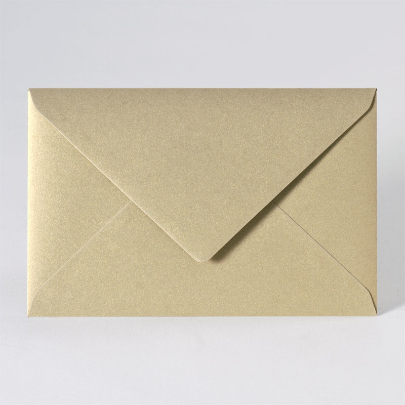 Metallic enveloppe in gold (18,5 x 12,0 cm)