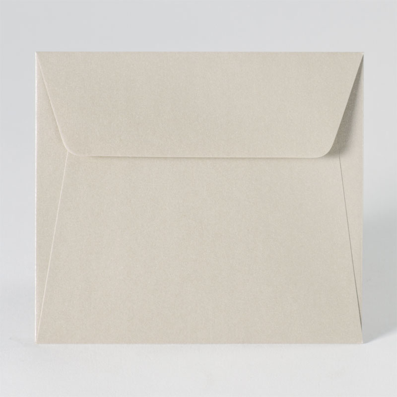 Metallic enveloppe in kleur sand (14,0 x 12,5 cm)