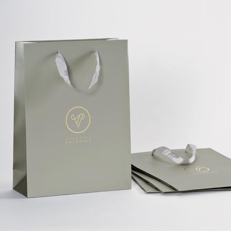 Stijlvolle luxe draagtas met goudfolie afgewerkt