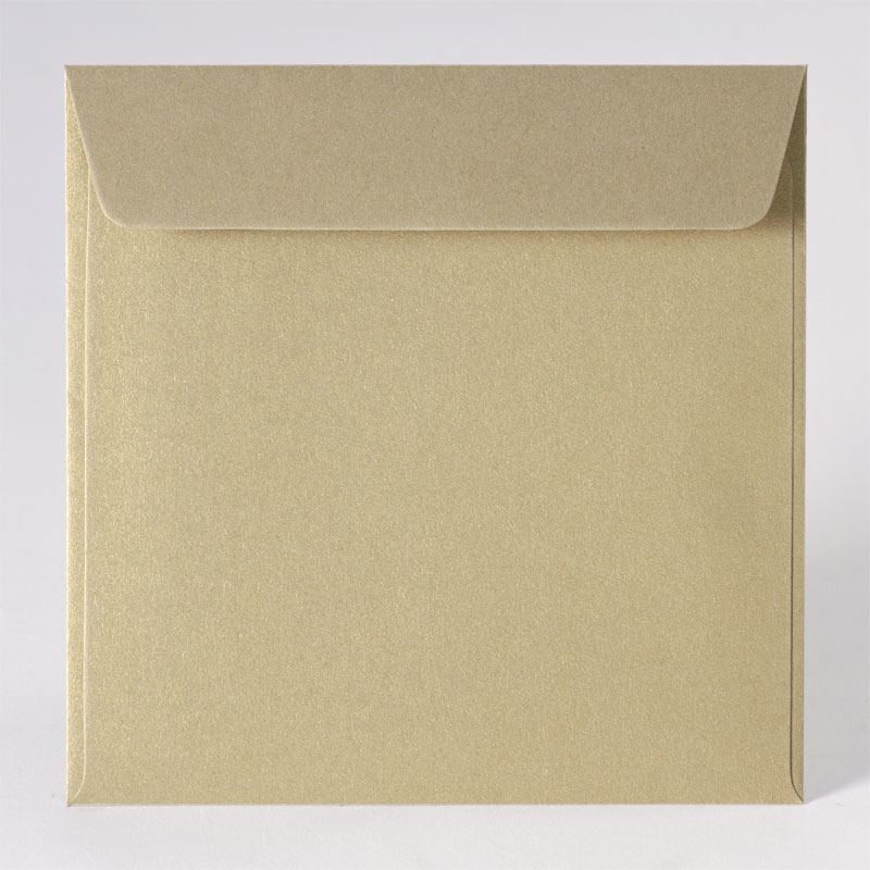 Vierkante enveloppe in metallic gold (17,0 x 17,0 cm)