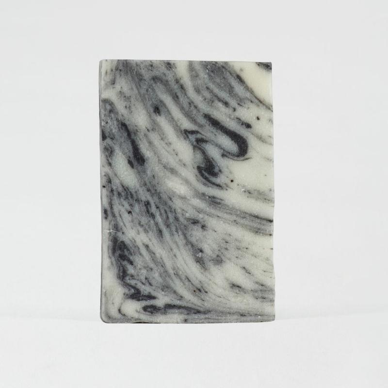 Zwart zeepje met marmereffect
