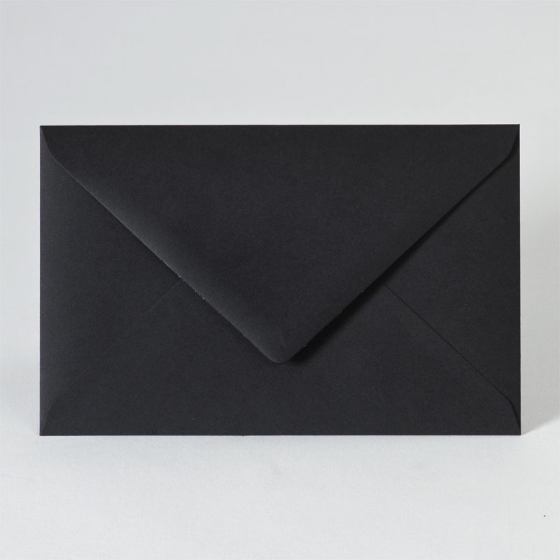 Zwarte enveloppe met puntklep (18,5 x 12,0)